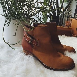 Seychelles Two-Toned Leather Booties